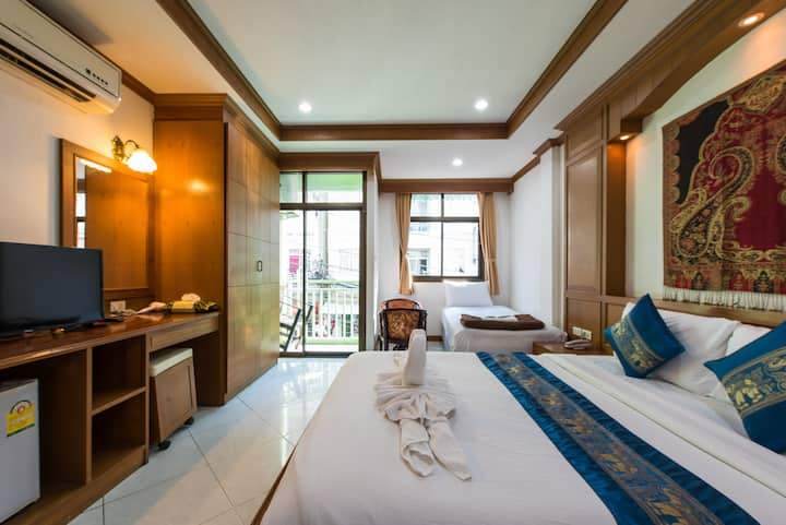C triple room, wide and quiet