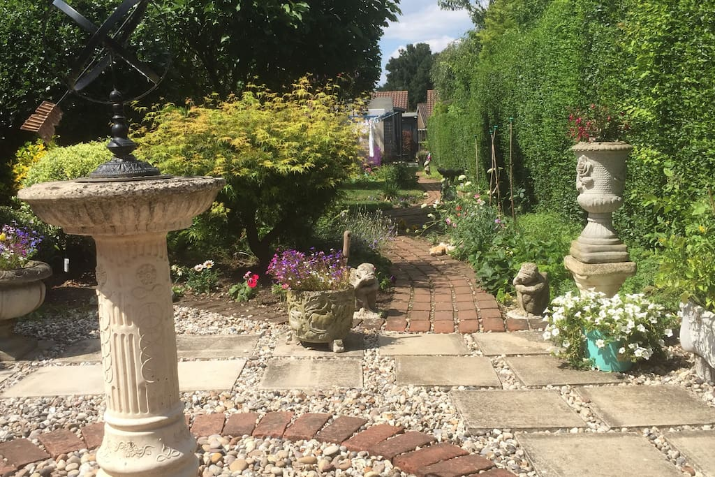 Victorian Cottage Bed And Breakfasts For Rent In Harlow England United Kingdom
