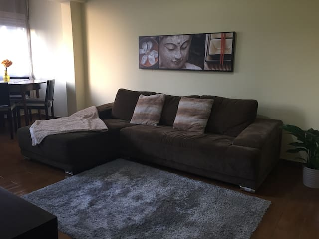 LISBON 2 Bedrooms Apartment next to Metro Station