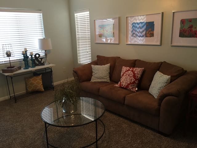 Cute, clean and great location! - St. George - Casa