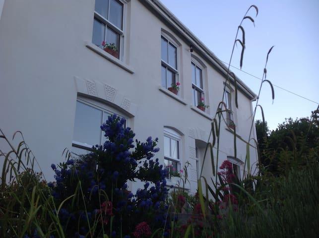 Stunning estuary view Edwardian house with garden