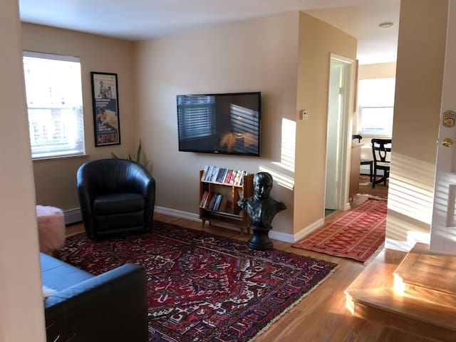 Stylish Private 1BR Apt-Cheesman Historic District