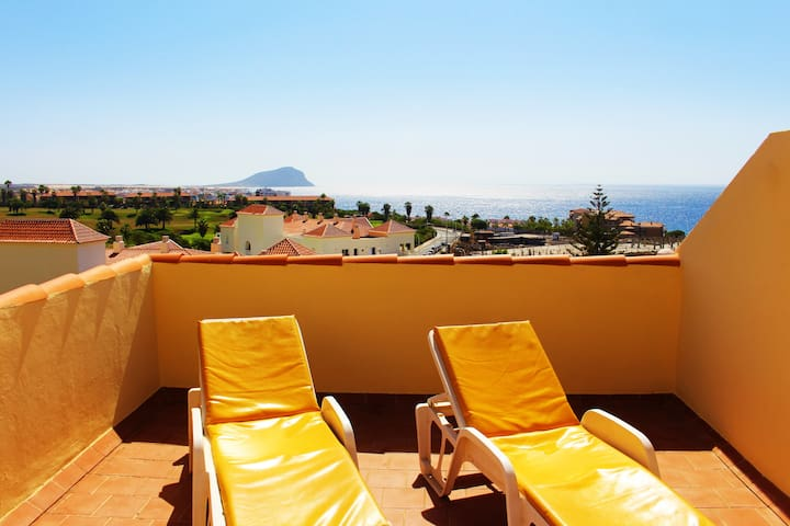Ocean Golf -1 bed - Private roof terrace!!