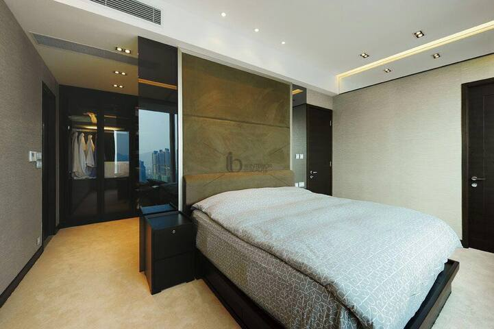 luxury penthouse suite king bed high level - Hong Kong - Pis