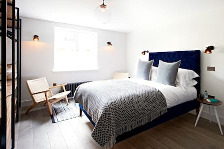 Luxury Camden Apartment - London
