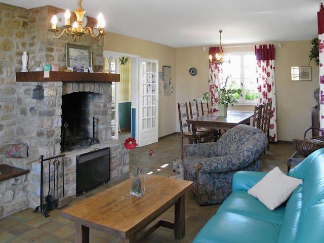 140 m² Holiday home in Portbail - Portbail - House