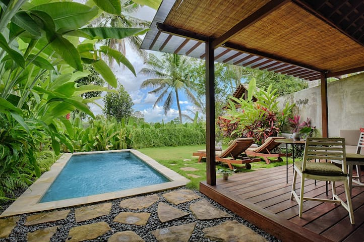One bedroom pool villa with rice field view