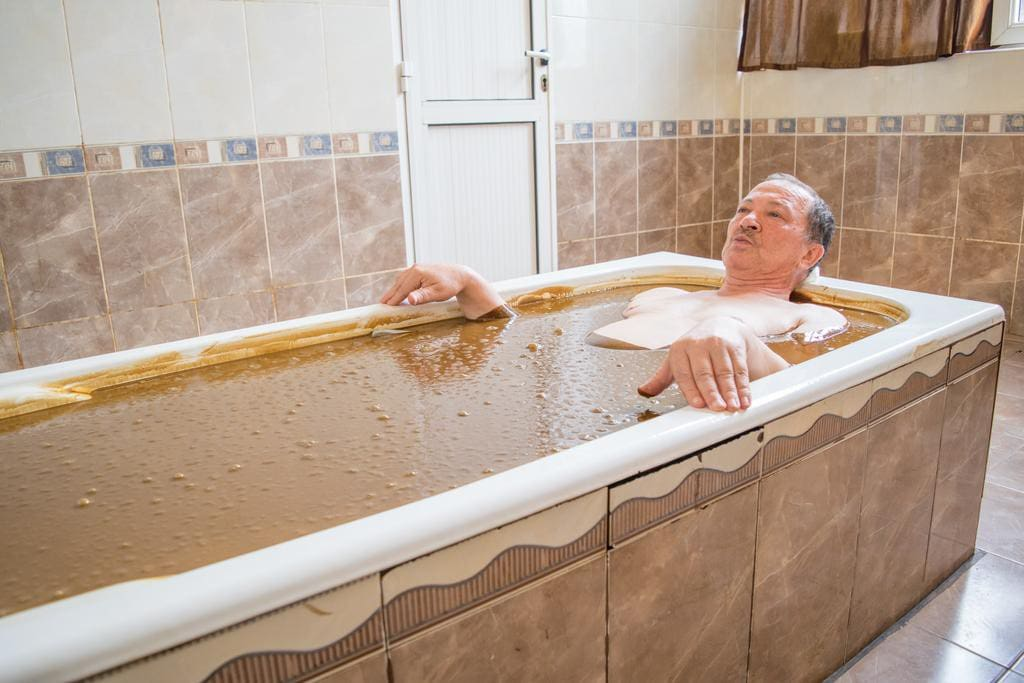 Нафталановая ванна   в санатории