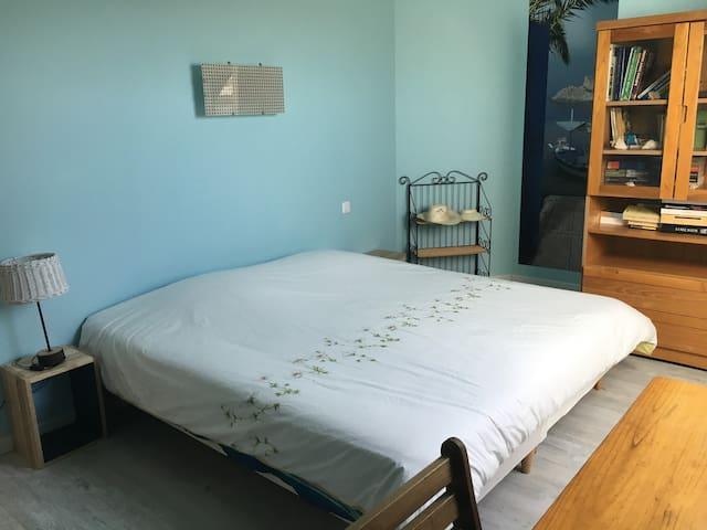 Chambre grand lit (180x200) ou 2 lits (90x200)