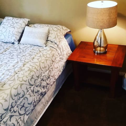 Cozy Private Room III - Near Downtown Tampa, Ybor