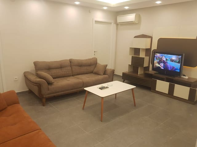 LUXURY FLAT IN SİSLİ 3 MIN WALK TO OSMANBEY METRO