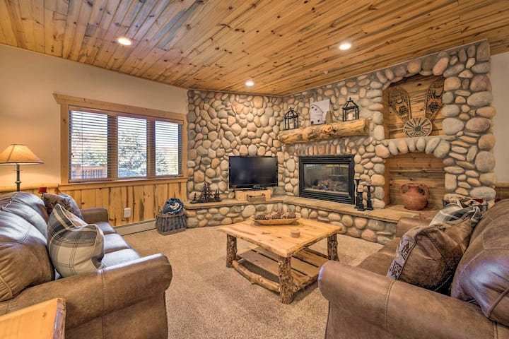 NEW! Rustic Ski Condo w/Balcony <1 Mile to Canyons