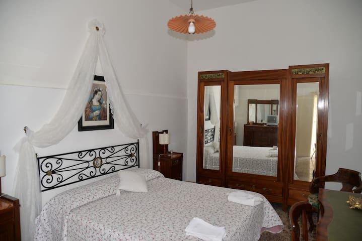 Camera Suite Donna Lucrezia - Mola di Bari - Bed & Breakfast