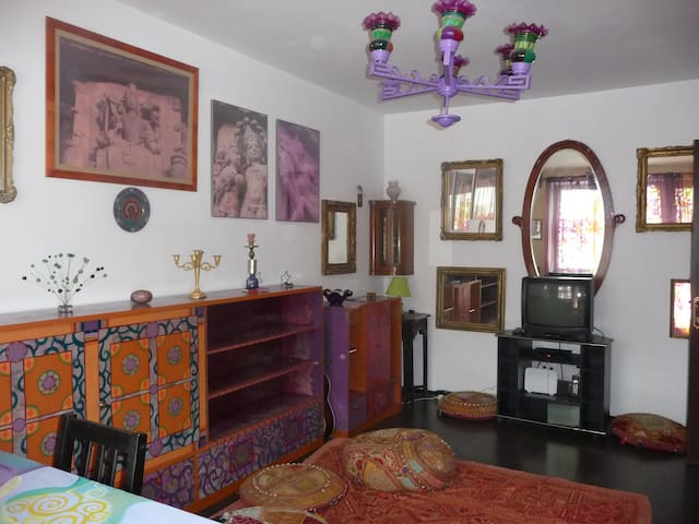 3 rooms flat near Unirii square (Old Town) - Bukarest - Wohnung