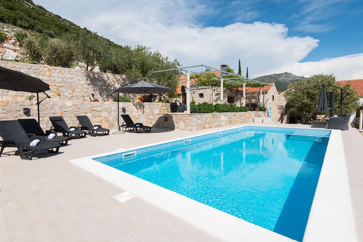 Villa IS - great villa with swimming pool