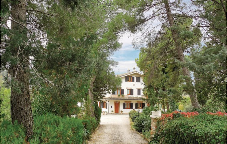 Semi-Detached with 3 bedrooms on 150m² in Frazione Caprafico TE