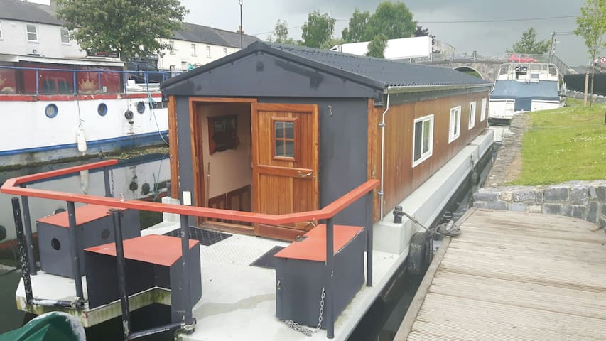 Houseboat, Sallins Harbour