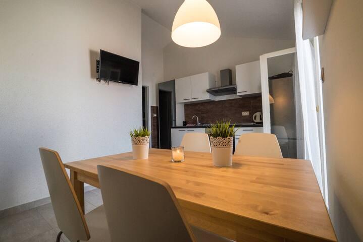 Peaceful and relaxing app in Ciovo - Slatine - Apartemen