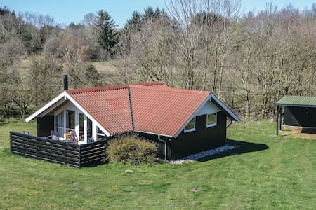 Holiday cottage with 2 bedrooms on 50m² in Oksbøl