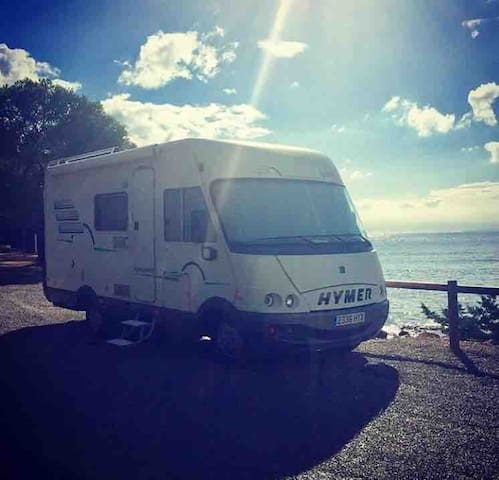Sharing campervan bed and breakfast
