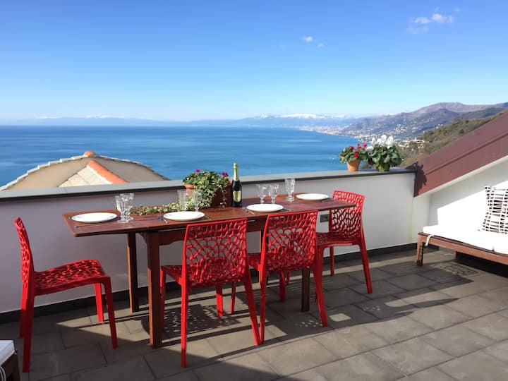 "Sea view penthouse ""La nave"""