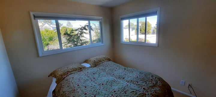 Sausalito LEGACY Apartment - Upstairs Bay View