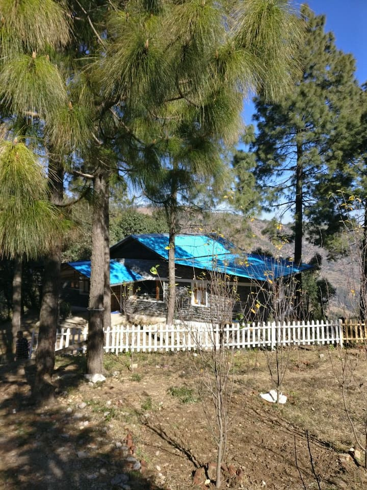 Blue Cottage, near Jim Corbett (2 hrs drive)