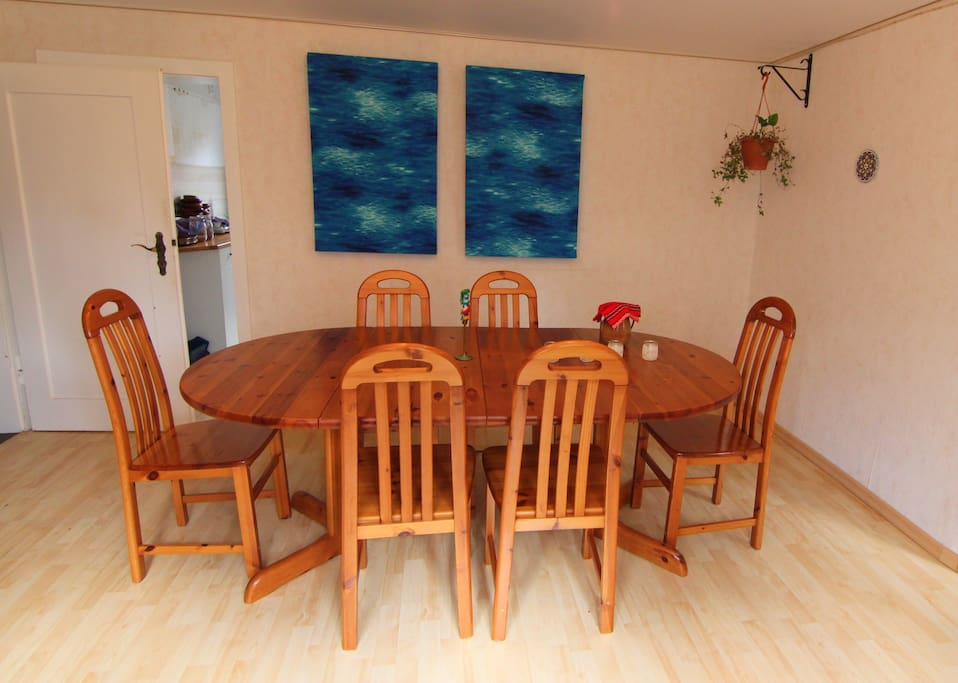 shared dining room  (Esszimmer)
