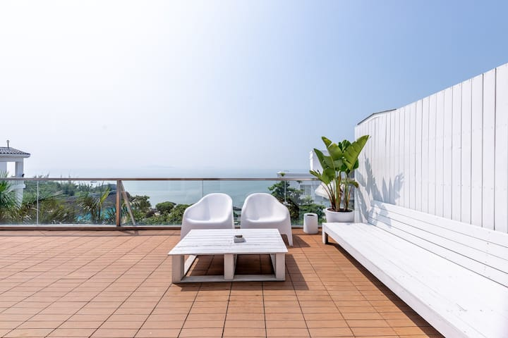 海边的度假民宿⛱️ 40平米超大海景露台·躺着看海的绝版海景露台套房🌊🏄🌊3分钟步行海边|环岛路#蓝屿