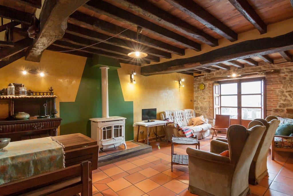 Casa rural las rozas en el coraz n de cantabria casas rurales en alquiler en quijas - Casas rurales grandes cerca de madrid ...