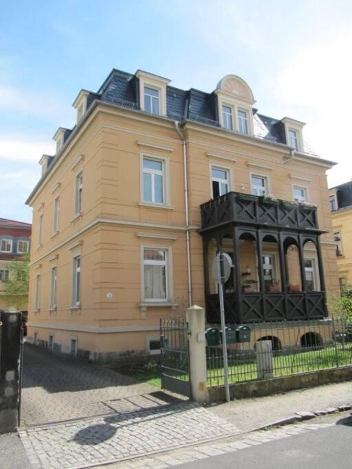 Unsere Wohnung im zweiten Stock in Elbnähe
