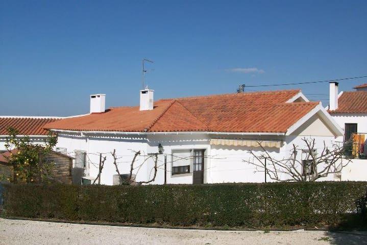 House Sintra. Beach & Mountain - Colares - Hus