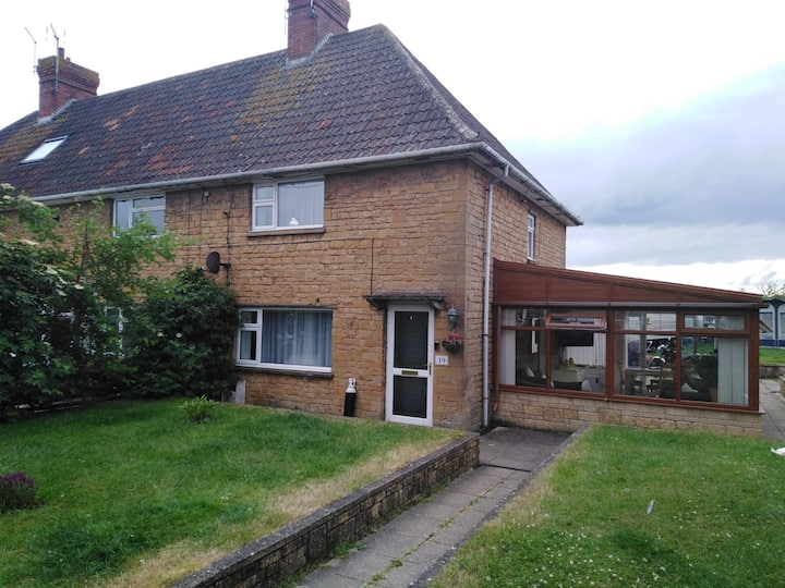 Quiet, comfortable single room in Somerset village