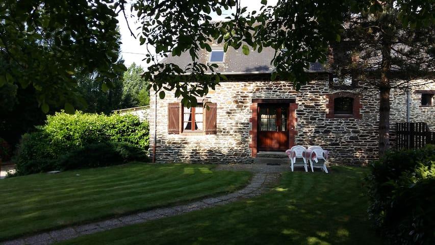 Maison  près de Rennes,en Bretagne - Châteaugiron - Casa
