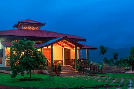 Sun Valley Villa , River View - Khopoli