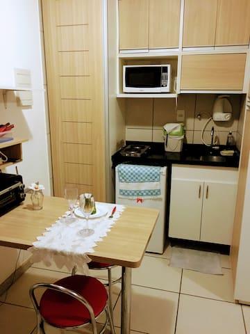 Kitnet clean, confortável e funcional na Asa Sul
