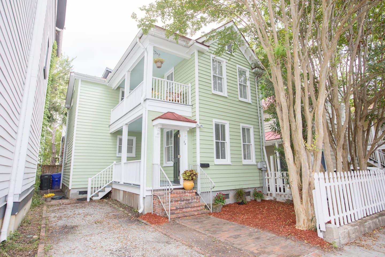 Charleston Single House, driveway 1 car MAYBE  2