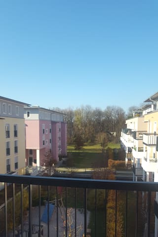 Cozy apartment & balcony at Pasinger Stadtpark