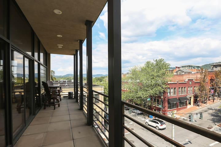 Luxury accommodations in the heart of downtown. - Asheville - Appartement en résidence