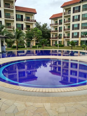 Luxurious Beach Front Apartments with Lifts. - Kota Kinabalu