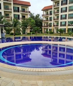 Luxurious Beach Front Apartments with Lifts. - Kota Kinabalu - Condomínio