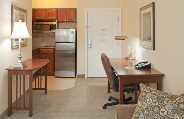 Free Breakfast. Pool. Studio w/ Kitchen Only 5 Miles from Purdue University.