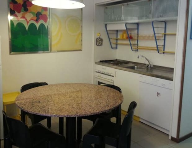 Nice, well organized, clean flat