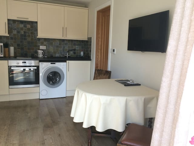 1 bed annex in Central Solihull - Solihull - Lägenhet