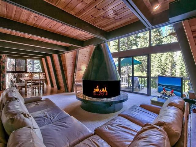 Updated Mid-Century Tahoe Classic - Alpine Meadows - House