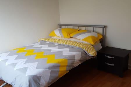 Quiet Apartment located close to Elwood & St Kilda - Ripponlea - Huoneisto