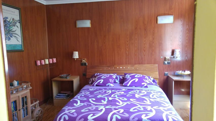 habitacion con cama doble - Bilbao - Apartment