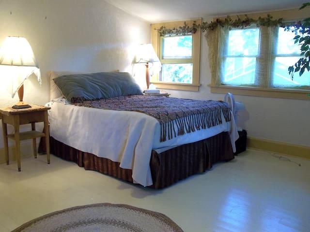 Sweet Suite - Eugene - Apartment