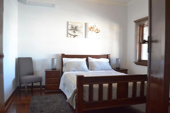 Fremantle Colonial Lodge 1