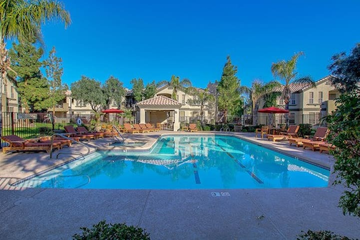 Heated Pool View 2/2 Contemporary Gated Luminere Chandler, AZ